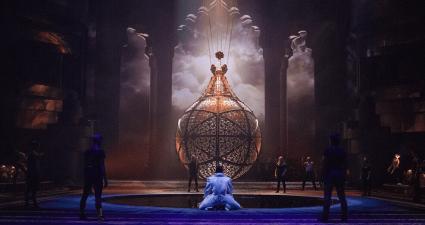 La Perle by Dragone show