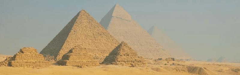 Pirámides y Sakkara